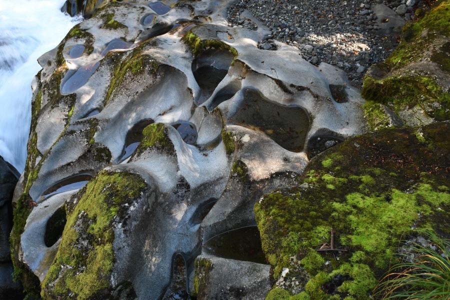 NZ milford chasm erosion.JPG