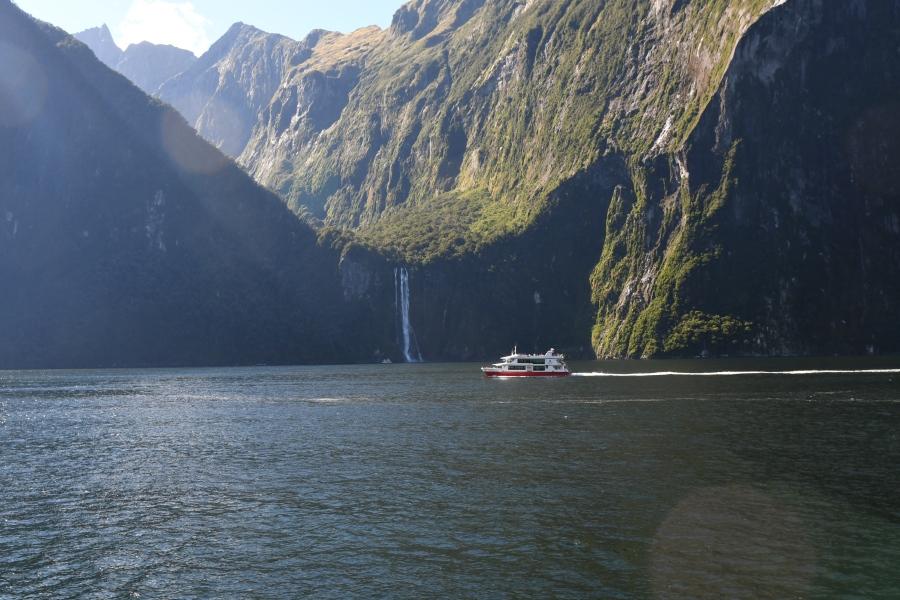 NZ milford hanging valley.JPG